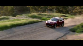 2019 Jeep Cherokee TV Spot, 'Practical: World Comes With It' [T1] - Thumbnail 9