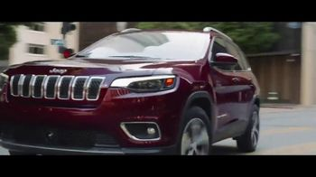 2019 Jeep Cherokee TV Spot, 'Practical: World Comes With It' [T1] - Thumbnail 7