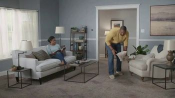 Lowe's TV Spot, 'The Moment: Old Carpet: Memorial Day' - Thumbnail 2