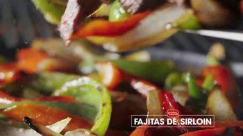 Golden Corral Sizzlin' Fajitas TV Spot, 'Humeantes' [Spanish] - Thumbnail 5