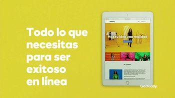 GoDaddy TV Spot, 'Idea real: 99 centavos' con Danica Patrick [Spanish] - Thumbnail 4