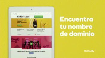 GoDaddy TV Spot, 'Idea real: 99 centavos' con Danica Patrick [Spanish] - Thumbnail 5