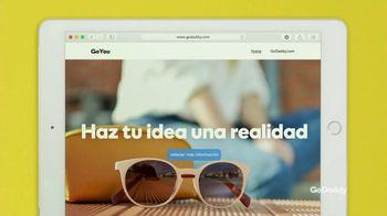 GoDaddy TV Spot, 'Idea real: 99 centavos' con Danica Patrick [Spanish] - Thumbnail 8