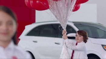 Kia America's Best Value Summer Event TV Spot, 'Balloons' - Thumbnail 5