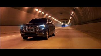 2018 GMC Terrain TV Spot, 'Mighty Like a Pro' Song by The Chemical Brothers [T2] - Thumbnail 5