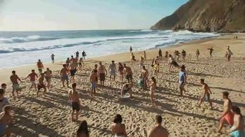 Corona Extra TV Spot, 'Beach in a Can' Song by Jimmy Cliff