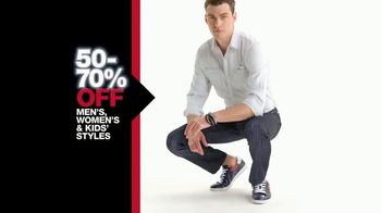 Macy's One Day Sale TV Spot, 'Great Styles for Everyone' - Thumbnail 3