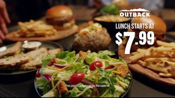 Outback Steakhouse Aussie 4-Course Meal TV Spot, 'The Middle Seat: Lunch' - Thumbnail 10