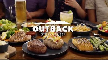 Outback Steakhouse Aussie 4-Course Meal TV Spot, 'The Middle Seat: Lunch' - Thumbnail 4
