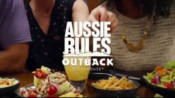 Outback Steakhouse Aussie 4-Course Meal TV Spot, 'The Middle Seat: Lunch' - Thumbnail 8