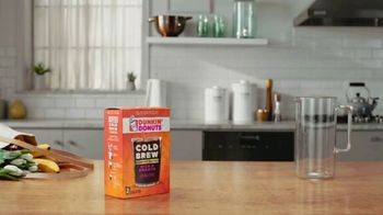 Dunkin' Donuts Cold Brew Coffee Packs TV Spot, 'Craft Coffee' - Thumbnail 1