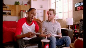 Pizza Hut TV Spot, 'ESPN: Pump Fake' Featuring Maria Taylor - Thumbnail 7