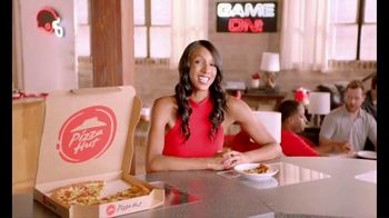 Pizza Hut TV Spot, 'ESPN: Pump Fake' Featuring Maria Taylor - Thumbnail 9