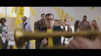 Sprint iPhone Season TV Spot, 'Party On' - Thumbnail 5