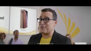 Sprint iPhone Season TV Spot, 'Party On' - Thumbnail 6