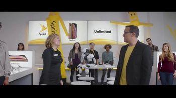 Sprint iPhone Season TV Spot, 'Party On' - Thumbnail 8