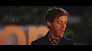 Verizon TV Spot, 'Bonfire' Featuring Thomas Middleditch - Thumbnail 4