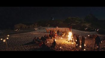 Verizon TV Spot, 'Bonfire' Featuring Thomas Middleditch - Thumbnail 9