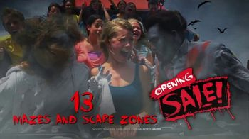 Six Flags Fright Fest Opening Sale TV Spot, 'Maze' - Thumbnail 6