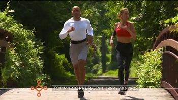 Tommie Copper Lower Back Support Bottoms TV Spot, 'Core Compression' - Thumbnail 4
