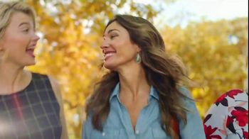 JCPenney TV Spot, 'Stand Out: Liz Claiborne' Song by Redbone - Thumbnail 7
