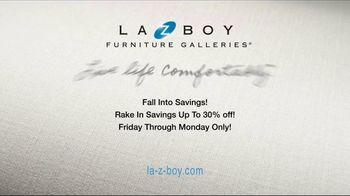 La-Z-Boy Fall Into Savings TV Spot, 'Work Around' - Thumbnail 10