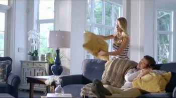 La-Z-Boy Fall Into Savings TV Spot, 'Work Around' - Thumbnail 2