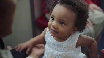 Huggies Little Movers TV Spot, 'Metro' [Spanish]