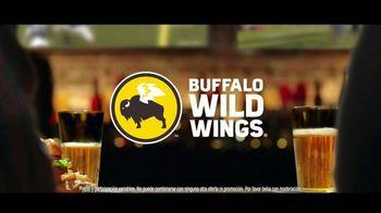 Buffalo Wild Wings Gameday Menu TV Spot, 'Un amigo que te debe' [Spanish] - Thumbnail 8