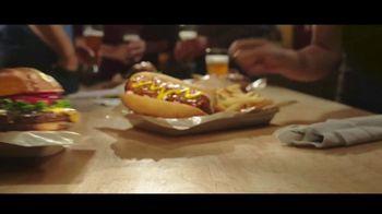 Buffalo Wild Wings Gameday Menu TV Spot, 'Un amigo que te debe' [Spanish] - Thumbnail 4