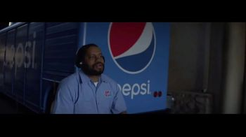 Pepsi TV Spot, 'NFL Theme Song' Featuring Dak Prescott, Antonio Brown, Luke Kuechly - Thumbnail 3