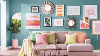 Wayfair TV Spot, 'HGTV: Gallery Wall' - Thumbnail 6