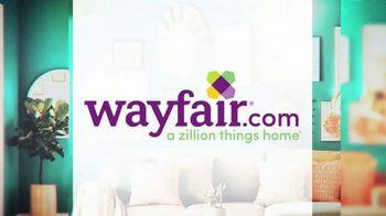 Wayfair TV Spot, 'HGTV: Gallery Wall' - Thumbnail 7