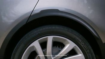2018 Land Rover Discovery TV Spot, 'Electronic Air Suspension: Dog' [T2] - Thumbnail 5