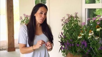 Hunter Douglas TV Spot, 'HGTV: Window Boxes' Featuring Joanna Gaines - 21 commercial airings