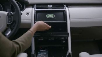 2018 Land Rover Discovery TV Spot, 'Storage Compartments: Chocolate' [T2] - Thumbnail 5