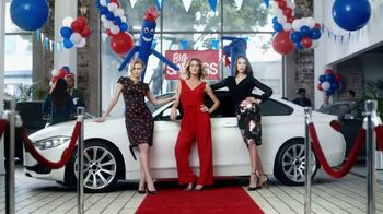 Stein Mart Friends & Family Event TV Spot, 'Look of Luxury' - Thumbnail 4