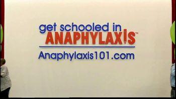 Mylan TV Spot, 'Anaphylaxis' Featuring Julie Bowen - Thumbnail 6