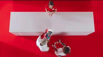 Target TV Spot, 'Un, dos y hasta tres maneras' canción de Sofía Reyes [Spanish] - Thumbnail 4