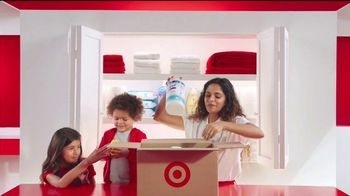 Target TV Spot, 'Un, dos y hasta tres maneras' canción de Sofía Reyes [Spanish] - Thumbnail 6