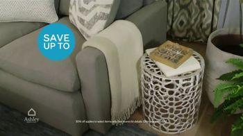 Ashley HomeStore Columbus Day Sale TV Spot, 'Discover Savings: Sofa' - Thumbnail 4