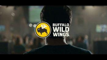 Buffalo Wild Wings Gameday Menu TV Spot, 'Escape to Football: Tour' - Thumbnail 9