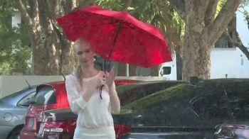 Kolumbo UltraSlim Windmaster TV Spot, 'Unexpected Downpours' - Thumbnail 4
