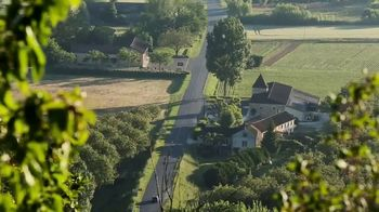 Oui by Yoplait TV Spot, 'HGTV: French Inspired Home' - Thumbnail 2