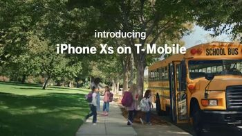 T-Mobile TV Spot, 'iPhone XS: Wave' Song by Chef'Special - Thumbnail 1