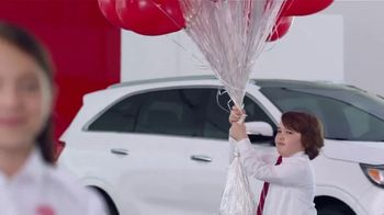 Kia America's Best Value 4th of July Event TV Spot, 'Balloons: What You Need' [T2] - Thumbnail 5