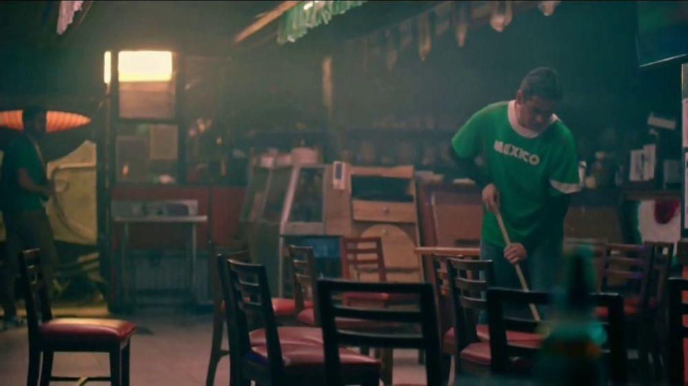 Modelo TV Commercial, 'No se rinde'
