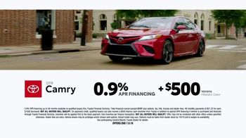 2018 Toyota Camry TV Spot, 'Best Selling Car' Song by Chase Rice - Thumbnail 8