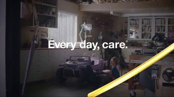 Whirlpool Smart Range TV Spot, 'Care From Anywhere: Car Repair' - Thumbnail 10
