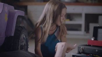 Whirlpool Smart Range TV Spot, 'Care From Anywhere: Car Repair'
